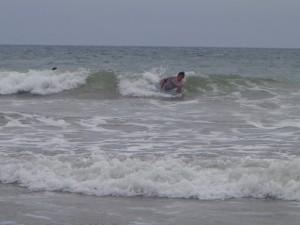 "Con éxito culmina primera fecha del circuito de verano ""Surf Sumbawa 2013"""