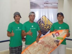 Seleccionados representando a el Murciélago Surf Club.