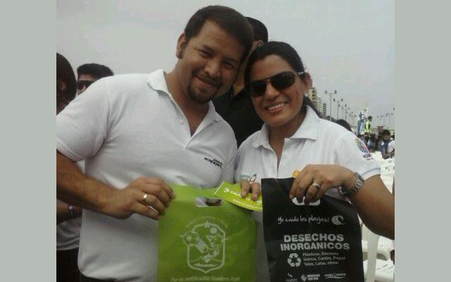 Ministra de Ambiente Lorena Tapia y José Moreira Director de Proyectos de Ecoplayas