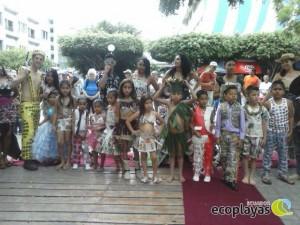 Desfile de trajes reciclables