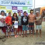 """Ganadores de la 5ta fecha del circuito de verano """"Surf Sumbawa 2013""""."""