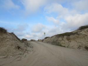 entradas cerradas para evitar la extracción de arena