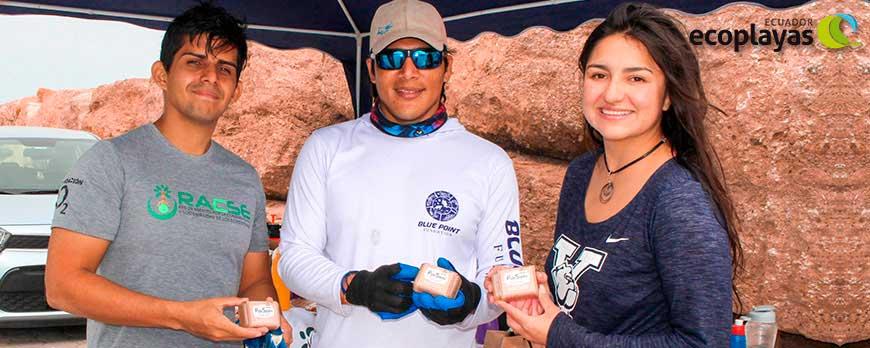 Jóvenes contra el cambio climático Limpieza del fondo marino muelle San Mateo   jabón de palo santo ecuadorianhands